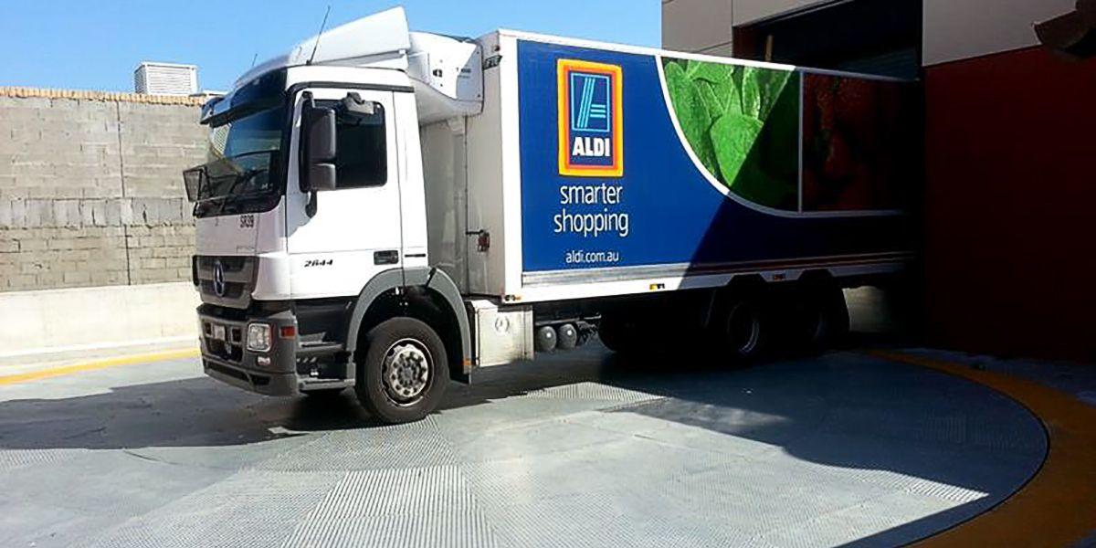 מתקן סיבוב למשאיות