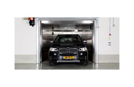 פשוט ויעיל - שימוש במעליות רכב לעומת מתקני חניה רובוטיים / אוטומטיים